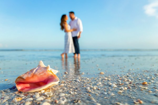 Photography of a surprise engagement on Sanibel Island